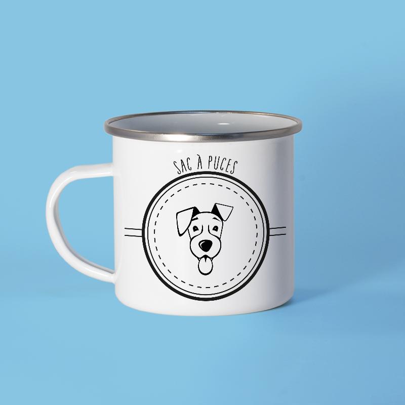 Mug en métal émaillé avec un chien