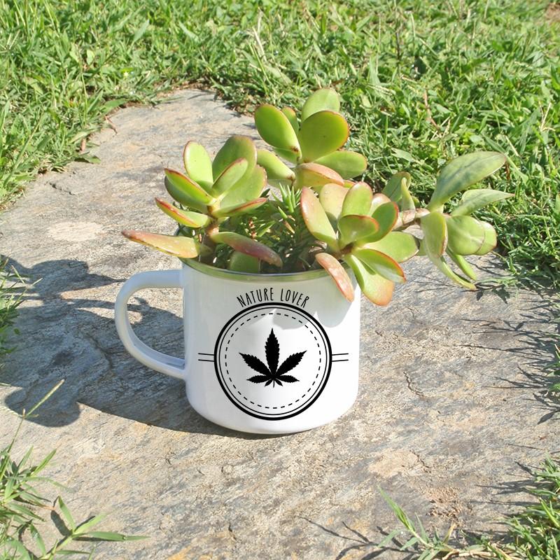 Mug en métal émaillé feuille de chanvre en cache pot