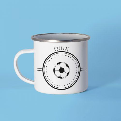 Mug en métal émaillé avec un ballon de football