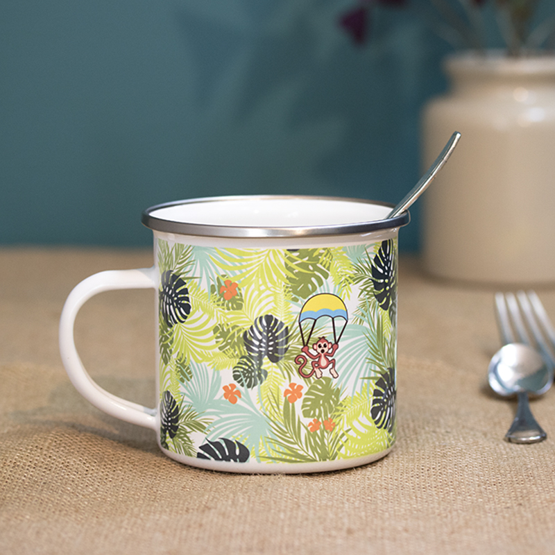 Verso du mug en métal émaillé théme jungle