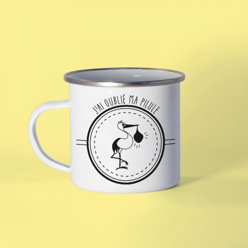 Mug en métal émaillé humoristique annonçant une naissance