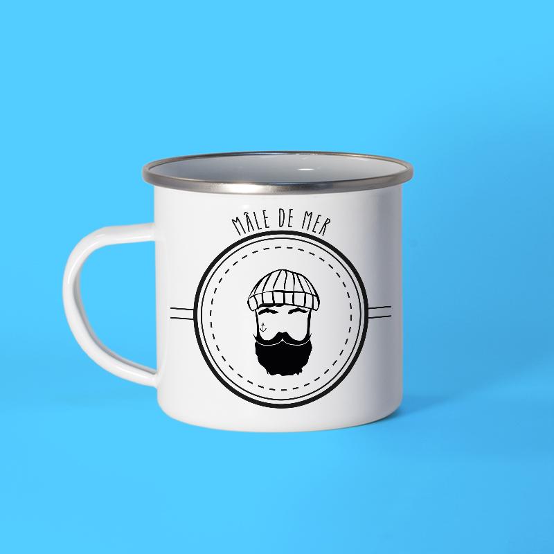 Mug en métal émaillé avec un marin barbu