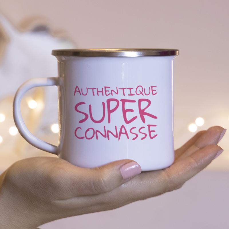 Typographie façon tag rose pour personnaliser vos mugs