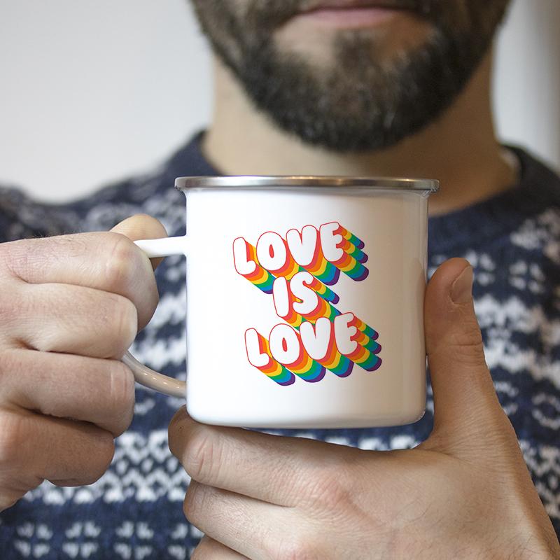Typohgraphie Seventies arc en ciel pour personnaliser vos mugs