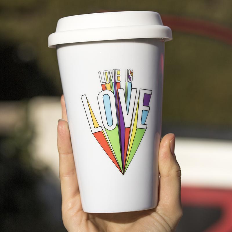 Mug porcelaine Take Away Love is Love coloré